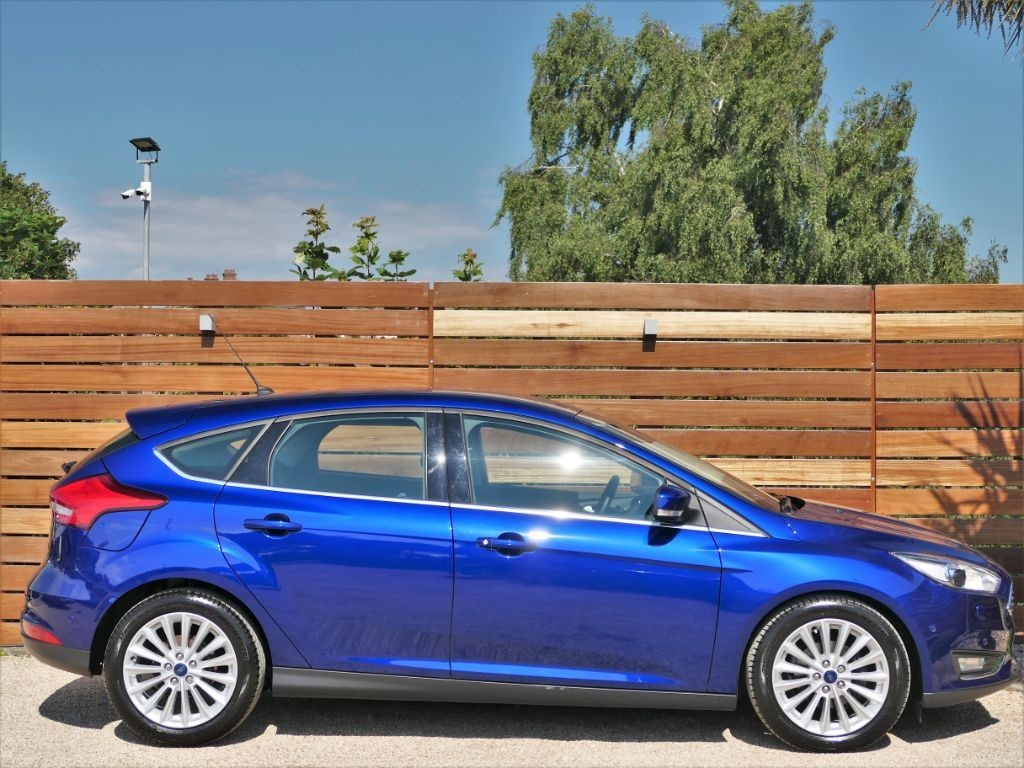 2015 ford focus titanium hatchback owners manual